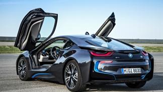BMW i8 puertas abiertas