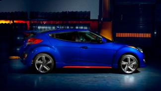 Hyundai Veloster Turbo R-Spec lateral