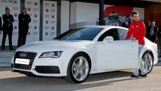 El FC Barcelona recibe coches Audi