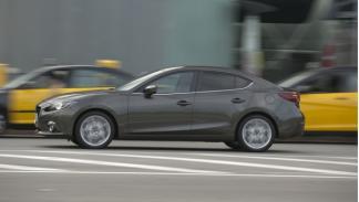 Mazda3-Sportsedan-lateral