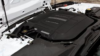 Jaguar F-Type S V8 motor