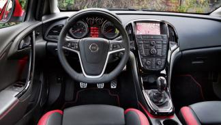 Opel Astra BiTurbo cuadro