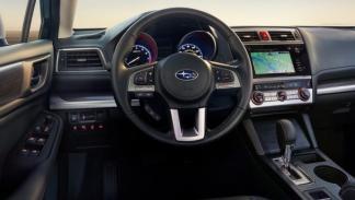Subaru Legacy 2015 lateral