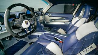 Mazzanti Evantra V8 interior