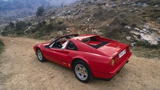 Entre la colección de coches de Jordi Pujol Ferrusola habría un Ferrari 328