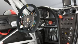 Porsche 911 RSR interior