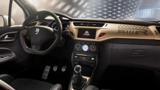 Citroën DS3 Racing Gold Mat interior