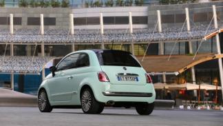 El Fiat 500 Cult incluye cromados en el paragolpes posterior y en los espejos