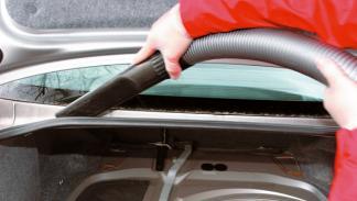 limpieza del coche aspirar maletero