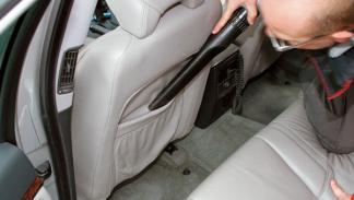limpieza del coche aspirar interior
