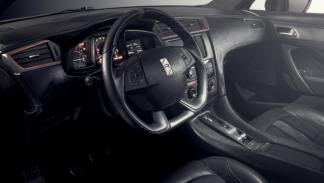 DS 5LS R interior