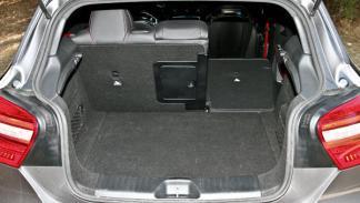 Mercedes A 45 AMG maletero