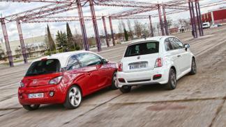 Trasera del Opel Adam y Fiat 500