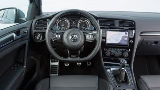 Interior del Volkswagen Golf R 2014
