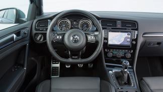 Interior del Volkswagen Golf R 2014