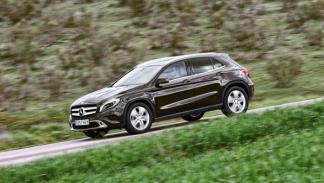 Mercedes GLA 220 CDI 4Motion foto lateral