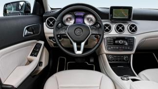Mercedes GLA 220 CDI 4Motion salpicadero