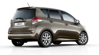 Toyota Verso 2014 trasera
