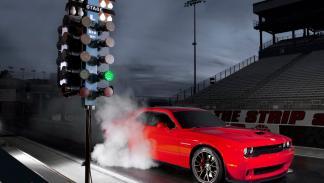 Drifting del Dodge Challenger SRT 2015