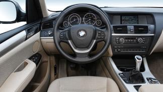 El cuadro y la disposición de los intrumentos son los habituales en BMW