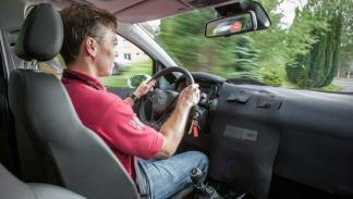 El volante e interfaz de usuario del Corsa E serán los mismos que en el Adam