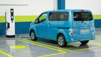 Nissan-EV-N200-carga