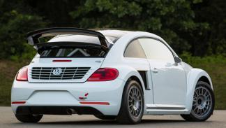 VW Beetle trasera
