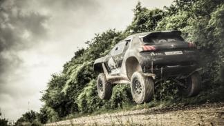Peugeot-2008-DKR-Dakar-2015-cruzada