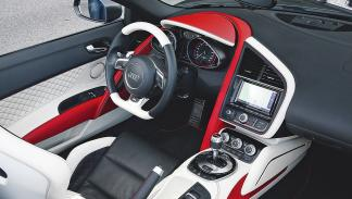 Regula R8 V10 Spyder interior