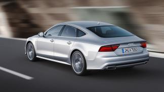Audi-A7-Sportback-2014-trasera