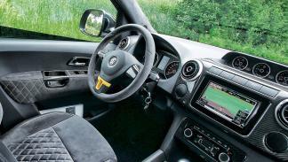 Volkswagen Amarok V8 TDI Passion interior