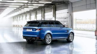 Land Rover Range Rover Sport SVR 2014 trasera