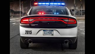 Dodge Charger Pursuit trasera