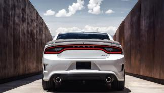 Dodge Charger SRT Hellcat 2015 foto trasera