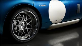 Renovo Coupé rueda