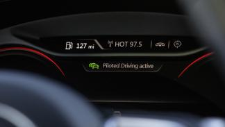 Conducción pilotada atascos Audi cuadro