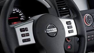 Nissan Navara 2015 interior