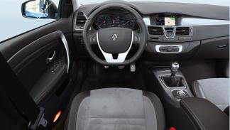 Renault Laguna puesto de conducción