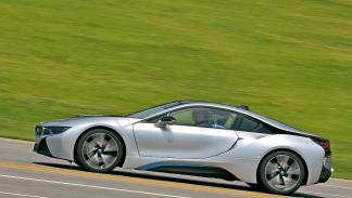 BMW i8 lateral