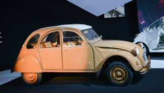 Citroën 2 CV por Hermés lateral