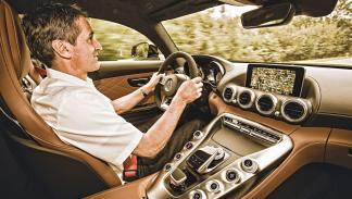 Al volante del Mercedes AMG GT