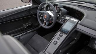 cinco hibridos mas rapidos Porsche 918 Spyder interior