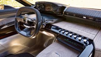 Interior del Peugeot Exalt