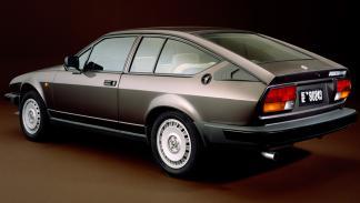 Alfa Romeo Alfetta GTV trasera