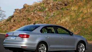 Volkswagen Jetta 2015 trasera