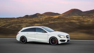 Mercedes CLA 45 AMG Shooting Brake lateral