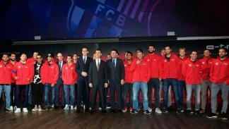 Jugadores del Barcelona reciben sus Audi