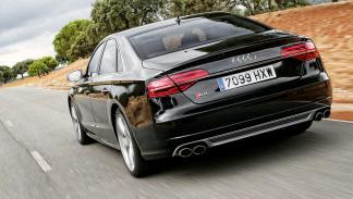 Audi-S8-tres-cuartos-trasero