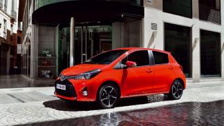 Toyota Yaris 2015 lateral