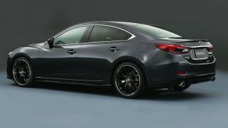 Mazda Atenza tres cuartos traseros
